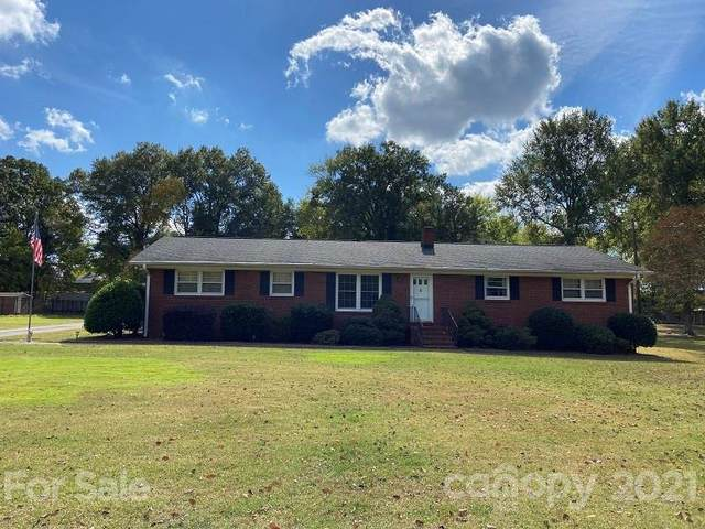 12408 Oakhaven Drive, Charlotte, NC 28273 (#3799077) :: Johnson Property Group - Keller Williams