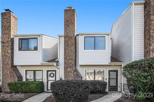 11003 Carmel Crossing Road, Charlotte, NC 28226 (#3799139) :: Johnson Property Group - Keller Williams