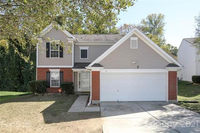 8816 Belle Bragg Way, Charlotte, NC 28214 (#3799289) :: Love Real Estate NC/SC