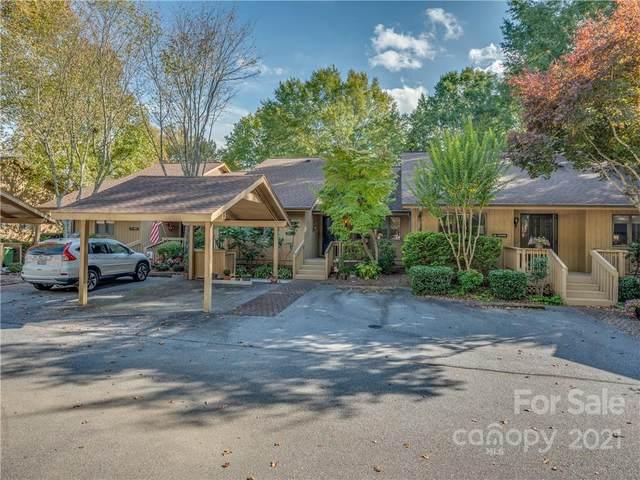 504 Spanish Oak Lane, Hendersonville, NC 28791 (#3799820) :: Scarlett Property Group