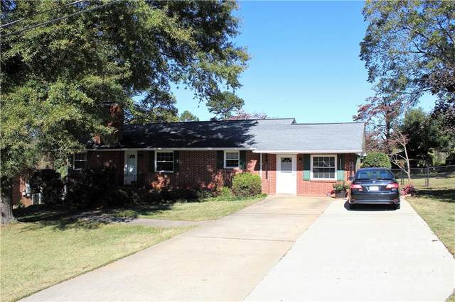 104 27th Ave Drive NW, Hickory, NC 28601 (#3800097) :: Home and Key Realty