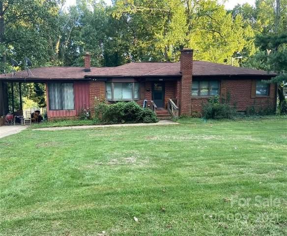 5500 Hilltop Circle, Charlotte, NC 28269 (#3800343) :: MartinGroup Properties