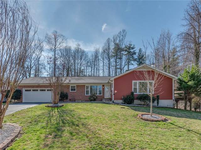 320 S Lakewood Circle, Hendersonville, NC 28739 (#3592276) :: Roby Realty