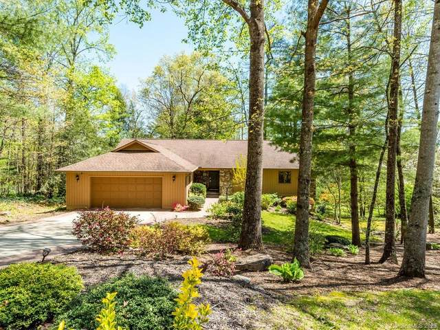 8 Ben Hogan Drive, Hendersonville, NC 28739 (#3596940) :: LePage Johnson Realty Group, LLC