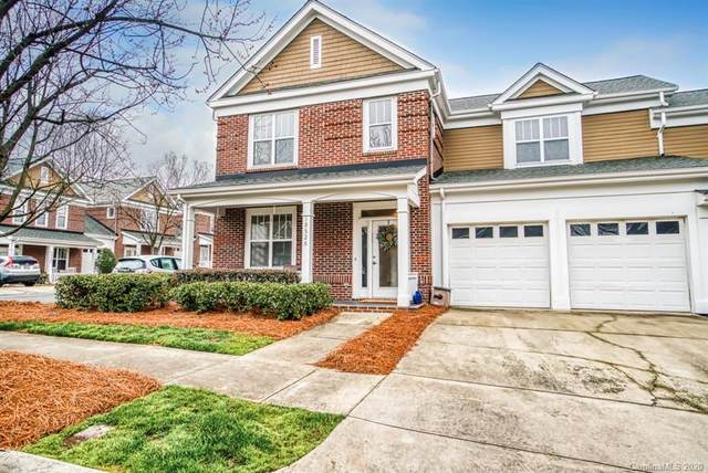 19526 Crosstrees Lane, Cornelius, NC 28031 (#3598806) :: High Performance Real Estate Advisors
