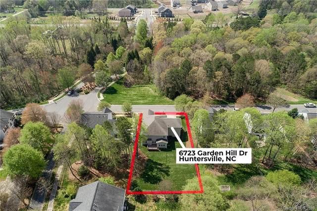 6723 Garden Hill Drive, Huntersville, NC 28078 (#3604266) :: Scarlett Property Group
