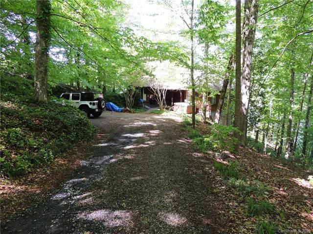 1911 Lake Acres Drive, Hickory, NC 28601 (#3615399) :: Homes Charlotte