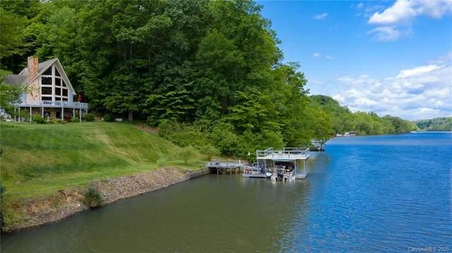 1925 Lake Acres Drive, Hickory, NC 28601 (#3616805) :: Homes Charlotte