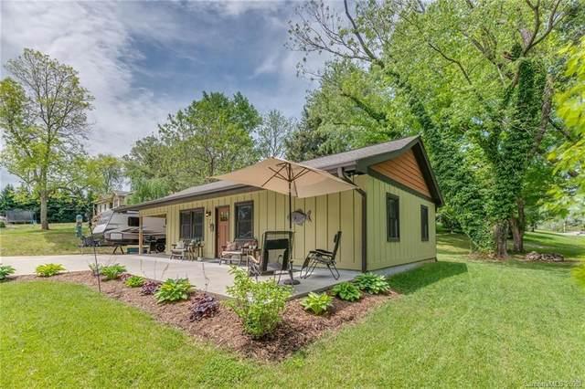 22 Hollingsworth Lane, Hendersonville, NC 28792 (#3618434) :: High Performance Real Estate Advisors