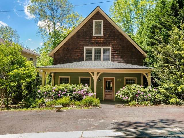 308 Westover Drive, Asheville, NC 28801 (#3618830) :: Rowena Patton's All-Star Powerhouse