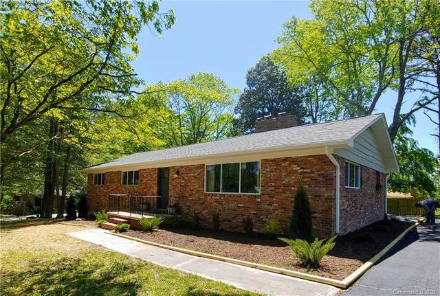 3091 Magnolia Drive, Hendersonville, NC 28792 (#3619668) :: Austin Barnett Realty, LLC