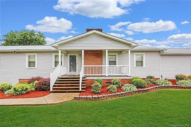 112 Shelia Lane, Statesville, NC 28625 (#3622275) :: MartinGroup Properties