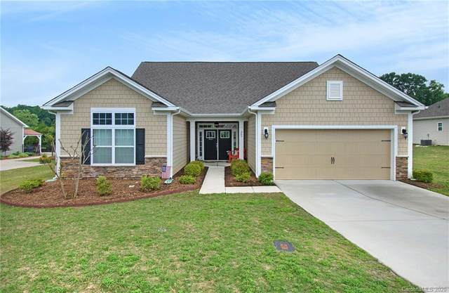 209 Hunters Hill Drive, Statesville, NC 28677 (#3623697) :: Charlotte Home Experts