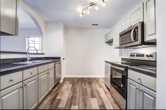 3754 Glenlea Commons Drive, Charlotte, NC 28216 (#3634845) :: Robert Greene Real Estate, Inc.