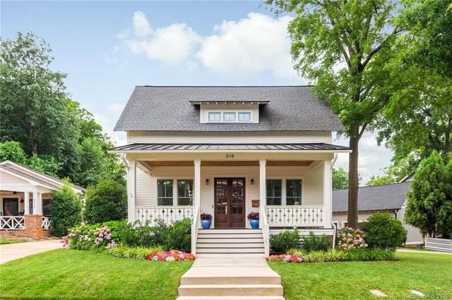 206 Mill Road, Charlotte, NC 28216 (#3634997) :: Scarlett Property Group