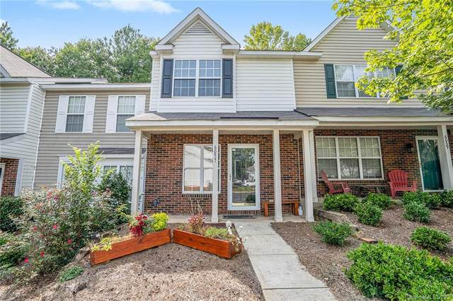 6057 Cougar Lane, Charlotte, NC 28269 (#3635721) :: Homes Charlotte