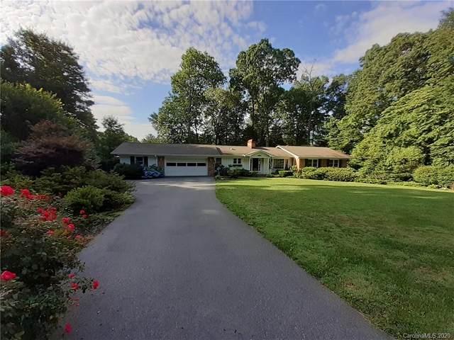 210 Sherwood Lane #9, Hendersonville, NC 28791 (#3636444) :: Rinehart Realty
