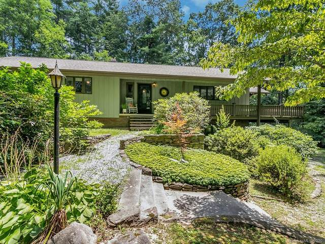 205 Finley Cove Road, Hendersonville, NC 28739 (#3640886) :: The Mitchell Team