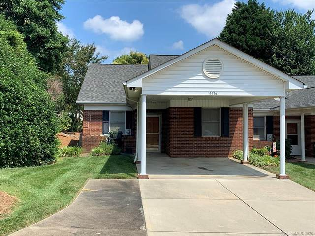 19976 Oak Leaf Circle, Cornelius, NC 28031 (#3646215) :: Omega Home Team