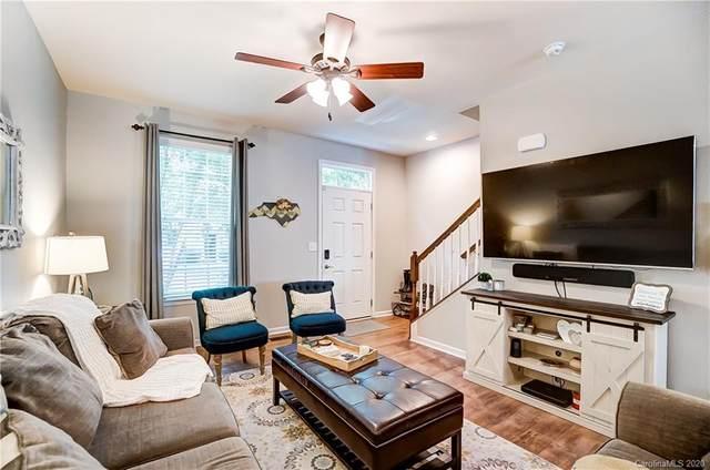 13823 Hill Street, Huntersville, NC 28078 (#3646900) :: Besecker Homes Team