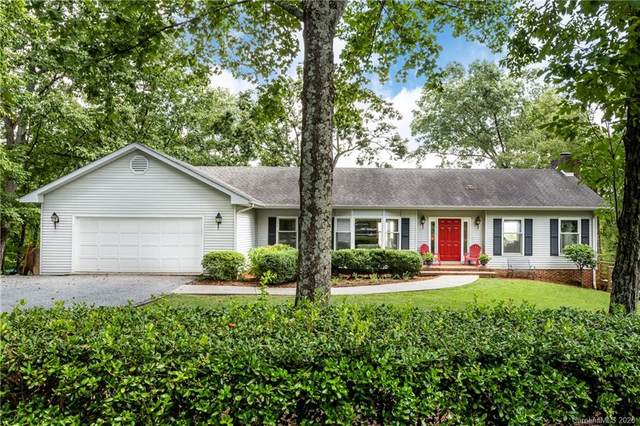 128 Fox Covert Lane, Tryon, NC 28782 (#3649143) :: Puma & Associates Realty Inc.