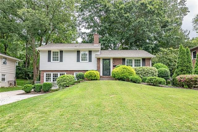 4923 White Oak Road, Charlotte, NC 28210 (#3657906) :: The Downey Properties Team at NextHome Paramount