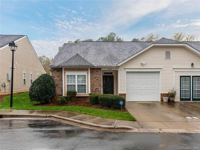 5849 Bradford Lake Lane, Charlotte, NC 28269 (#3659509) :: IDEAL Realty