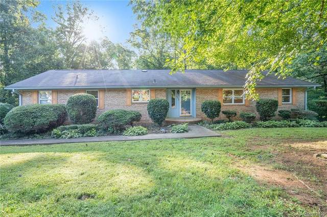 8033 Larkhaven Road, Charlotte, NC 28216 (#3663644) :: Caulder Realty and Land Co.