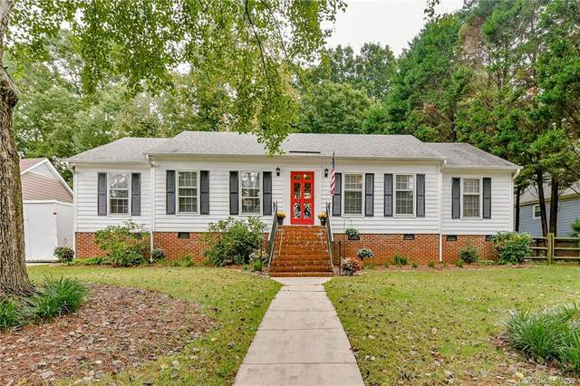 9027 Twin Trail Drive, Huntersville, NC 28078 (#3666211) :: Carver Pressley, REALTORS®