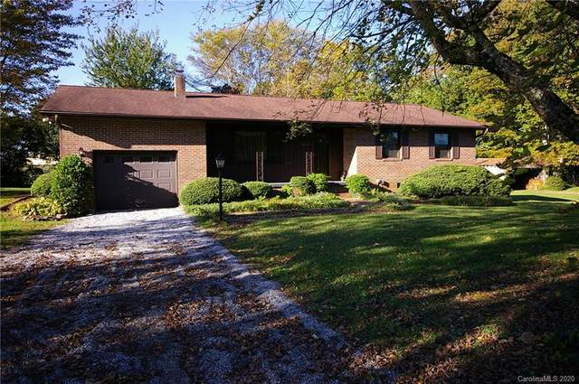 5540 Howard Gap Road, Hendersonville, NC 28792 (#3670435) :: Keller Williams Professionals