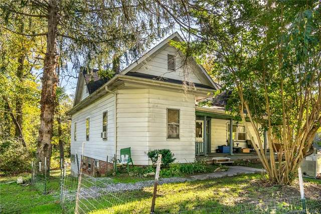 406 N Lakeside Drive, Hendersonville, NC 28739 (#3672934) :: Ann Rudd Group
