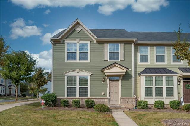 1766 Fleetwood Drive, Charlotte, NC 28208 (#3674272) :: Homes with Keeley | RE/MAX Executive