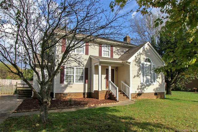 13600 Krislyn Woods Place, Charlotte, NC 28278 (#3674939) :: LePage Johnson Realty Group, LLC