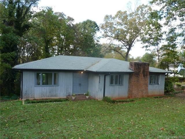 5525 W Sugar Creek Road, Charlotte, NC 28269 (#3676338) :: High Performance Real Estate Advisors