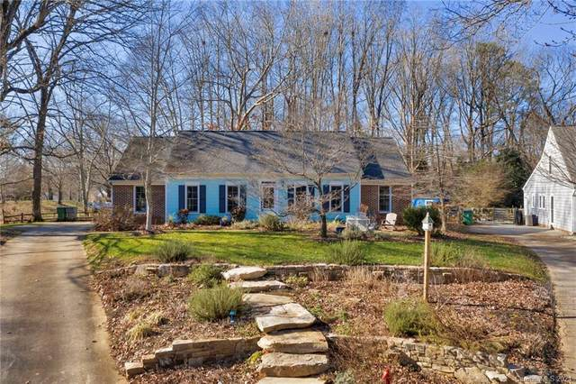 8444 Knollbrook Drive, Charlotte, NC 28270 (#3691469) :: Johnson Property Group - Keller Williams