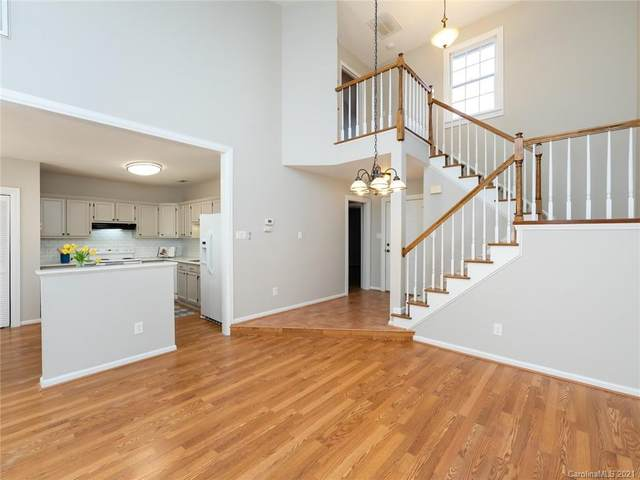 9118 Kings Canyon Drive, Charlotte, NC 28210 (#3694118) :: Rowena Patton's All-Star Powerhouse