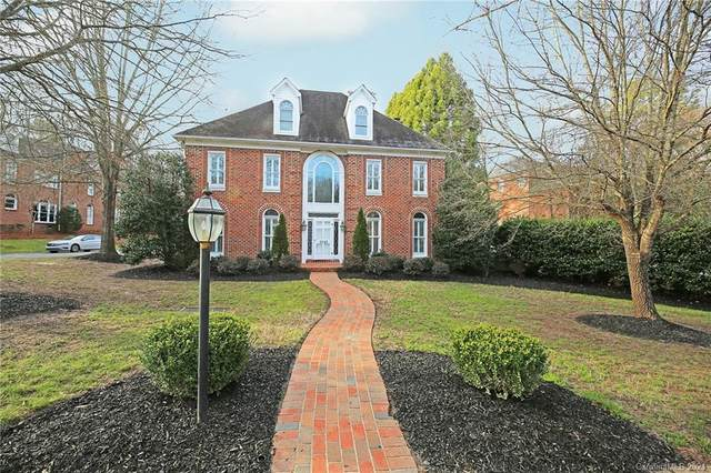 5242 Colony Road, Charlotte, NC 28226 (#3694455) :: BluAxis Realty