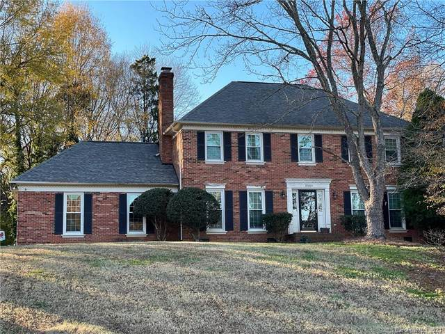10404 Four Mile Creek Road, Charlotte, NC 28277 (#3697846) :: Love Real Estate NC/SC