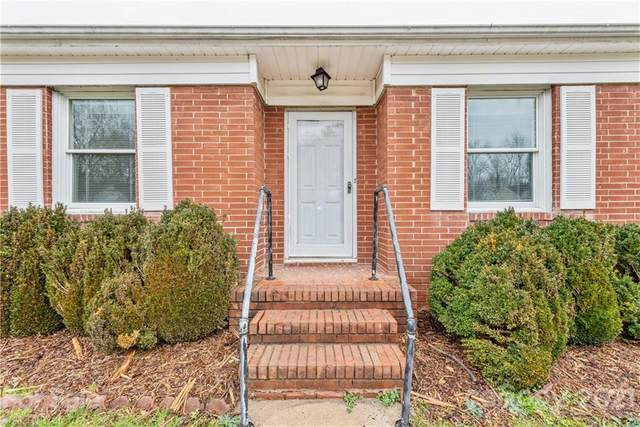 4533 Gaynelle Drive, Charlotte, NC 28215 (#3700022) :: Love Real Estate NC/SC