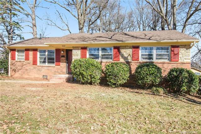 3008 Dalecrest Drive, Charlotte, NC 28269 (#3700063) :: Home and Key Realty