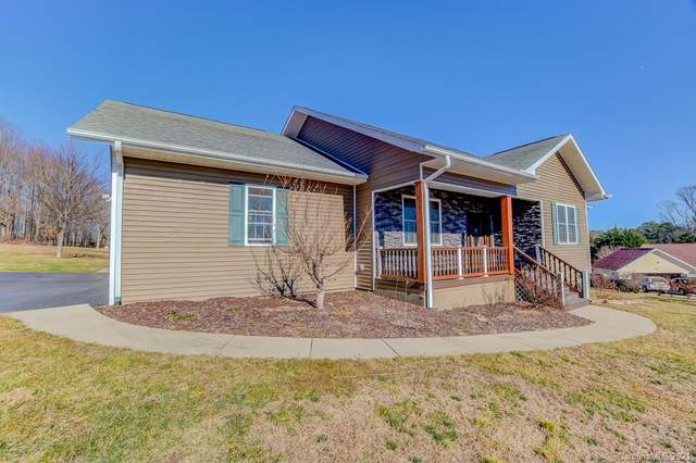17 Song Sparrow Drive, Hendersonville, NC 28792 (#3700329) :: Rhonda Wood Realty Group