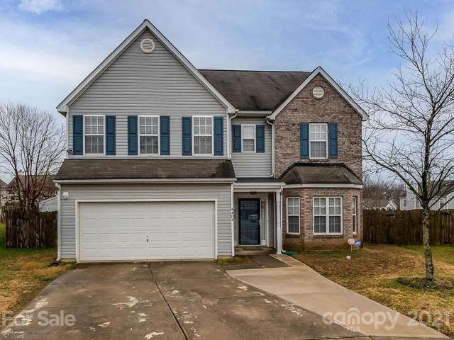 4402 Singing Oak Court, Charlotte, NC 28269 (#3701163) :: Keller Williams South Park