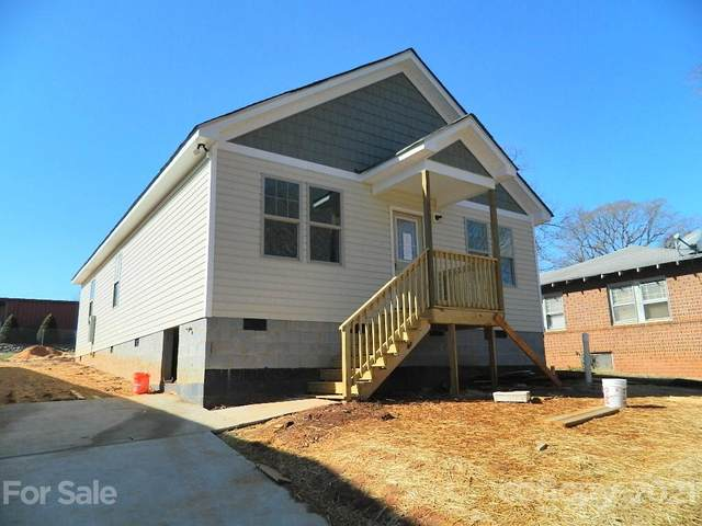 144 Woodlawn Drive, Statesville, NC 28677 (#3701565) :: Home and Key Realty
