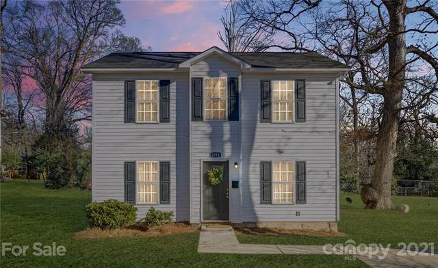 2028 Kennesaw Drive, Charlotte, NC 28216 (#3703409) :: LKN Elite Realty Group | eXp Realty