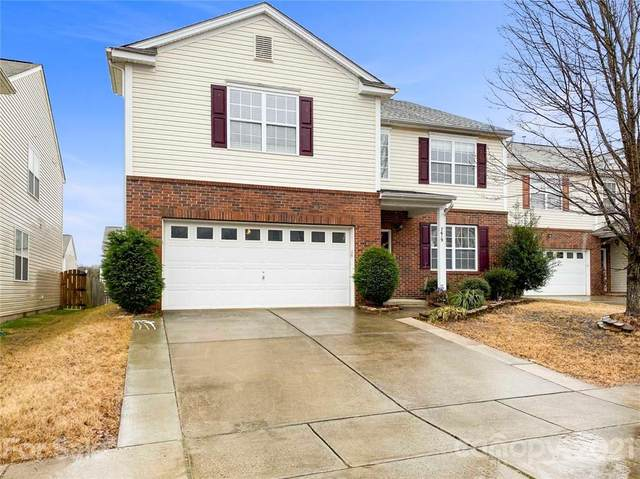 7619 Carrington Forest Lane, Matthews, NC 28105 (#3708994) :: The Ordan Reider Group at Allen Tate