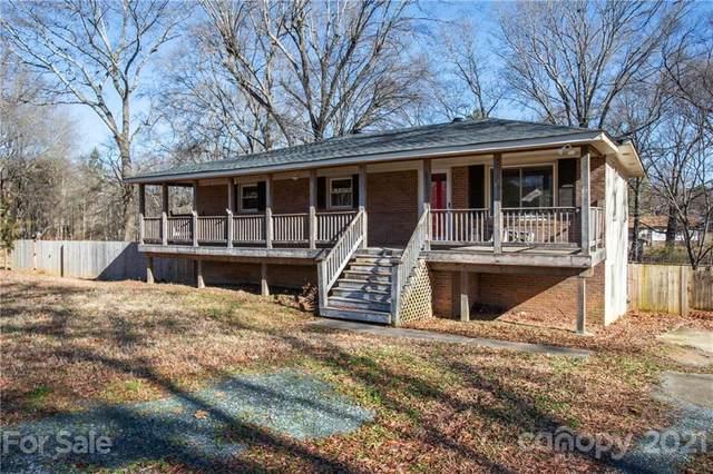 15213 Comanche Lane, Matthews, NC 28104 (#3711619) :: Carolina Real Estate Experts