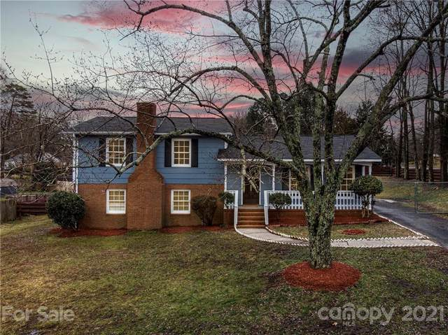 5800 Charing Place, Charlotte, NC 28211 (#3711698) :: Home and Key Realty