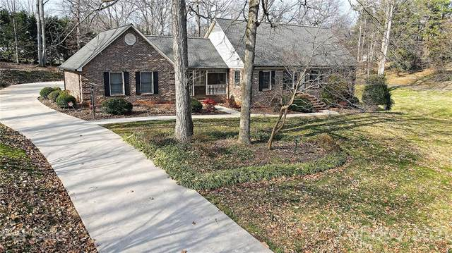 2425 Kings Grant Road, Lincolnton, NC 28092 (#3712185) :: Mossy Oak Properties Land and Luxury