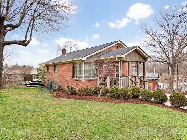 109 Clairmont Drive, Hendersonville, NC 28791 (#3714756) :: Lake Wylie Realty
