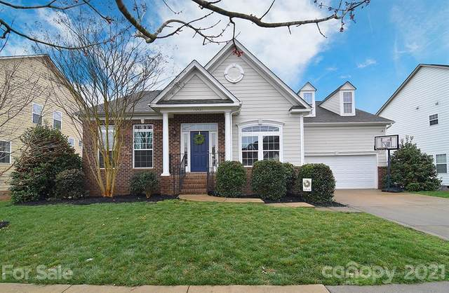 16521 Grassy Creek Drive, Huntersville, NC 28078 (#3716572) :: The Ordan Reider Group at Allen Tate